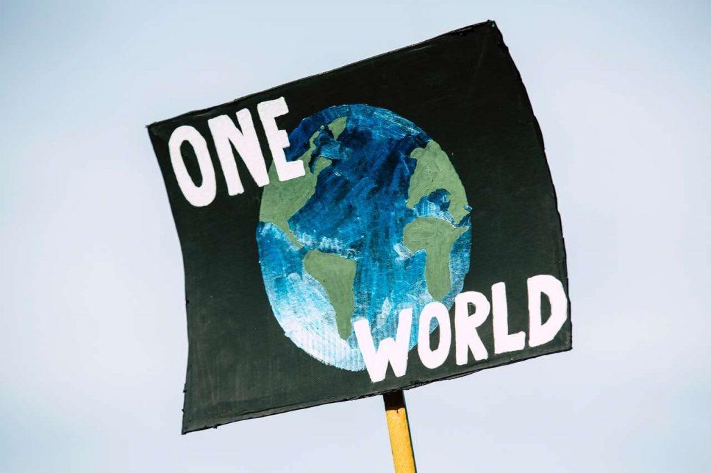Ayuda para salvar el planeta con energía solar