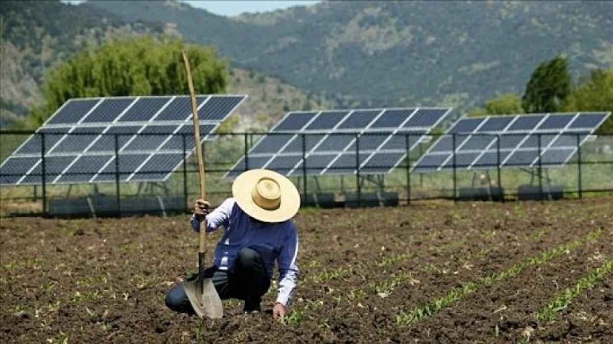 las instalaciones fotovoltaicas ayudan a la economía de los pueblos